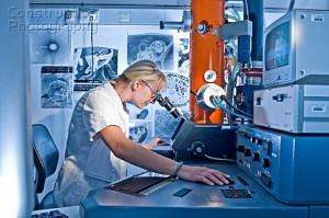 laboratorium z mikroskopem