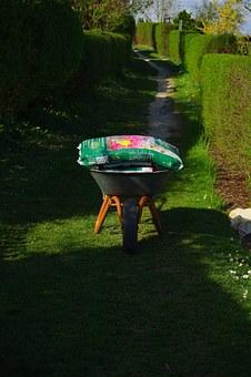 wheelbarrow-324390__340