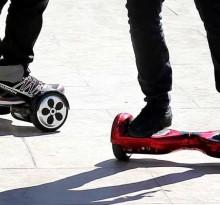 hoverboard na chodniku