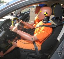 manekiny crash test